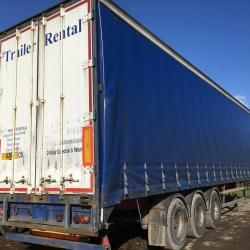 Curtainside trailer Tri Axle